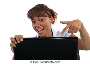 laptop, mulher aponta, dela