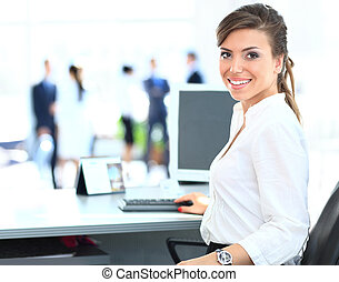 laptop, mulher, trabalhando, equipe negócio