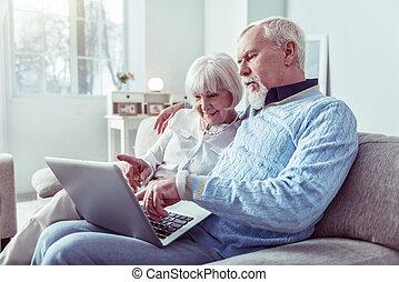 laptop, nagyszülők, párosít, modern, látszó, időz, video, csevegés, birtoklás