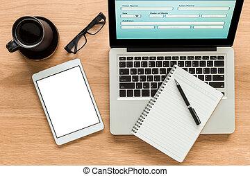 laptop, und, verhöhnen, auf, digital tablette, mit, isolieren, schirm