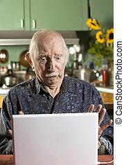 laptopdator, senior, chockerat, man