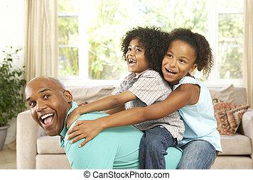 lar, crianças pai, tocando