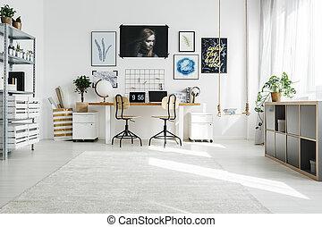 lar, espaçoso, escritório