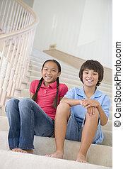 lar, irmã, irmão, escadaria, sentando