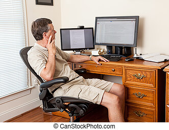 lar, macho sênior, escritório, trabalhando