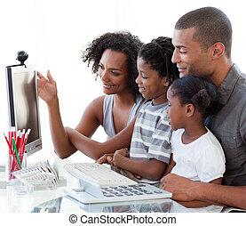 lar trabalha, afro-american, família, computador