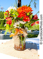 laranja, flores brancas