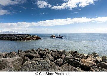 Large boat at the Bay