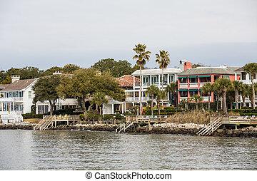 Large Coastal Homes in Tropics