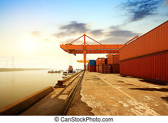 Large Container Terminal