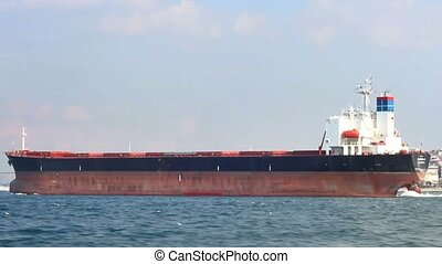 Large oil tanker, Side view