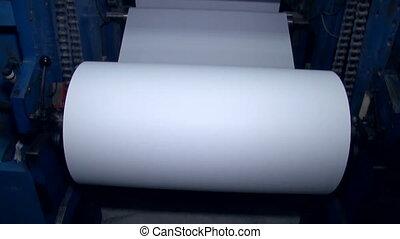 large, tourné, machine, 2, papier, coupures, plus loin, rouleau
