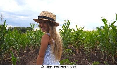 largo, paja, niña, campo, niño, rubio, maíz, poco, mirar, el...