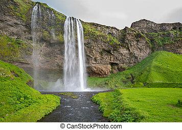largo, vista, di, seljalandsfoss, il, cascata, in, islanda meridionale