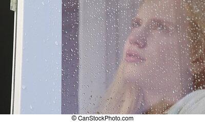 larmoyant, fenêtre, triste, verre, derrière, gouttes pluie, girl, figure