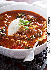 Lasagne soup with ground beef, tomato and cheese