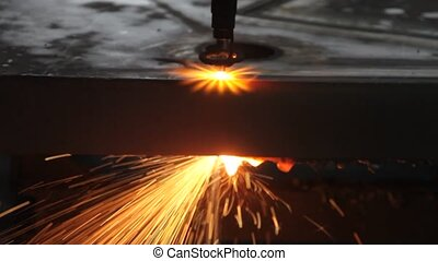 laser, métal, feuille, étincelles, découpage