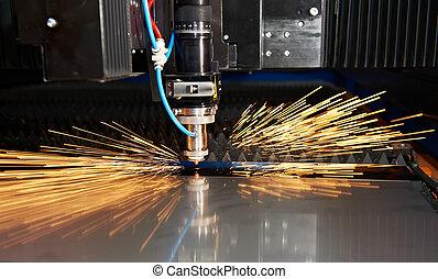 laser, taglio, di, metallo, foglio, con, scintille