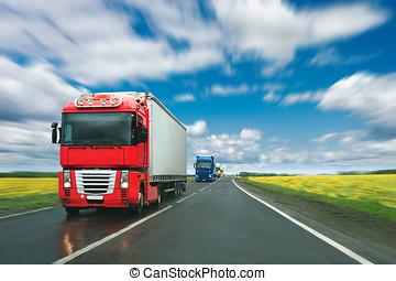 lastbiler, hos, vej land, hos, solfyldt dag