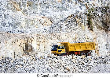 lastwagen, gelber , steinbruch