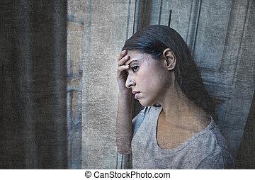 latin, maison, regarder, frustré, dépression, mensonge, souffrance, femme, fenêtre