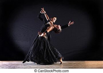 latino, bailarines, negro, aislado, salón de baile