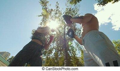 lato, kobieta, boks, zaręczony, młody, muskularny, pociągający, outdoors, dzień, człowiek
