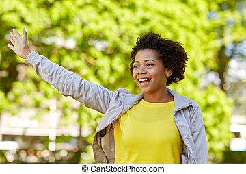 lato, kobieta, park, młody, amerykanka, afrykanin, szczęśliwy