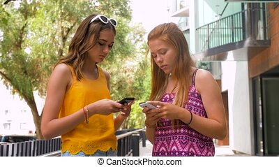 lato, teenage, smartphones, dziewczyny, miasto