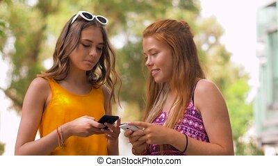 lato, teenage, smartphones, park, dziewczyny