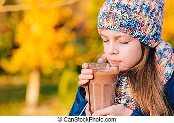 latte, giovane, cioccolato, bere, ragazza sorridente, felice