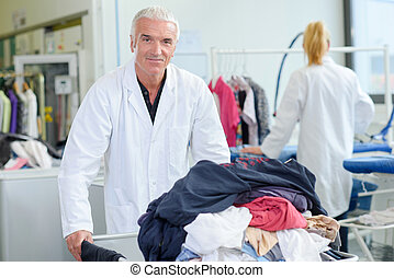 lavadero, trabajador, ropas sucias