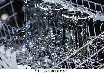 lavapiatti, occhiali, cucina, vino