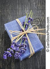 lavendel, met de hand gemaakt, zeep
