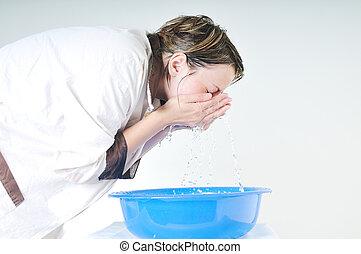 laver, visage femme