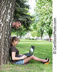 lavorativo, seduta, corsa, studente università, mescolato, erba