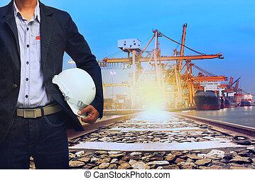 lavorativo, uomo, in, porto, trasporto spedizione, e, treno,...