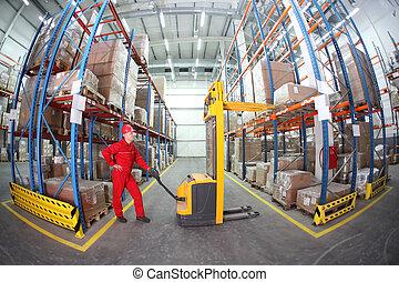 lavoratore, in, uniform rosso, lavoro