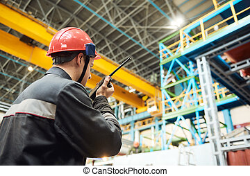 lavoratore, walkie, trasmettitore, talkie, industriale, fabbrica