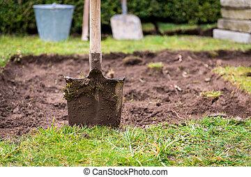 Lawn digging
