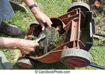 Lawnmower - Correcting the lawn mower knife