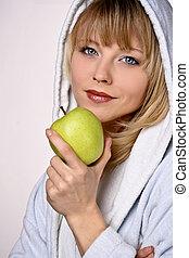 Layd eating Apple