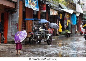 leány, kevés, utca, fülöp-szigetek, eső