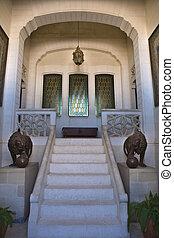 Leão, escadas
