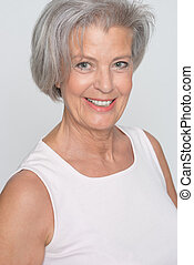 le, äldre kvinna