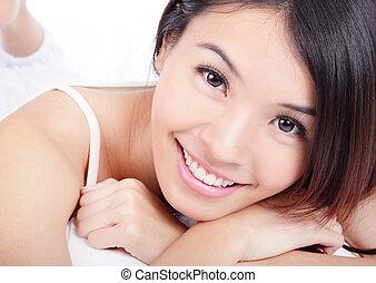 le för woman, ansikte, med, hälsa, tänder