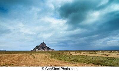 Le Mont Saint-Michel timelapse 4K
