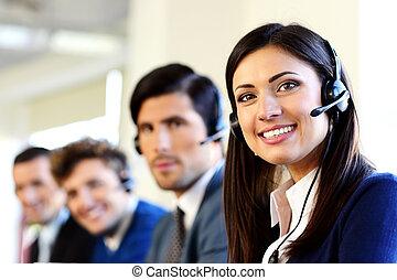 le, option att köpa centrera, kontor, businesspeople