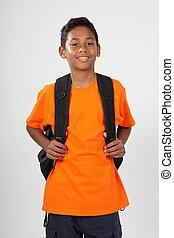 le, utbilda pojke, med, ryggsäck