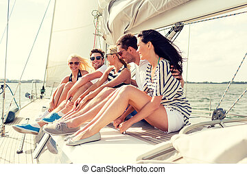 le, vänner, sittande, på, yacht, däck